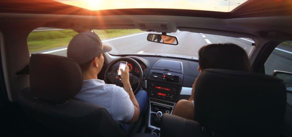 Владелец машины сидит пассажиром - есть ли штраф
